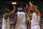 CUARTA SEMANA: De espaldas al festejo. LeBron James de los Heat de Miami es felicitado por Dwyane Wade y Shane Battier en el Juego 1 de los cuartos de final de la Conferencia Este de la NBA Playoffs 2013 en el American Airlines Arena, el 21 de abril en Miami, Florida.