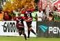 Dinei fez o gol do Vitória no empate por 1 a 1 com o Bahia