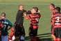 Márcio discute com defensores do Atlético-GO durante segunda partida da final do Campeonato Goiano