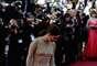 O vestido que Eva Longoria usou outro dia no Festival de Cannes é lindo e realmente fica ótimo para quem tem o corpo como o dela e pode mostrar as curvas. Ou seja, talvez apenas 0,01% da população