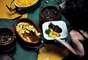 Segundo alguns inícios, a feijoada, que se transformou no prato nacional do nosso país, nasceu no Rio de Janeiro. O sudeste ainda é marcado pela tradicional culinária mineira, com pratos como tutu à mineira, feijão tropeiro, com ovos, linguiça e carne de porco. Já a gastronomia de São Paulo tem restaurantes do mundo inteiro, trazidos por seus numerosos imigrantes