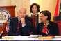 28 de maio - Biden e Kamla Persad-Bissessar durante a reunião no Centro Diplomático em St. Anns