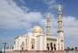 3. Emirados Árabes UnidosNos lugares mais turísticos, estrangeiros podem consumir bebidas alcoólicas em bares e hotéis e comprá-las em alguns supermercados, desde que não as consumam em público