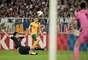 Austrália marcou seu gol com o ponta esquerda Tommy Oar, que tentou cruzar e acabou encobrindo o goleiro Kawashima
