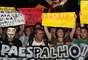 Jovens cobraram do prefeito a redução da tarifa, que foi unificada em R$ 2,95