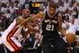 O Miami Heat conseguiu levar o sexto jogo da final da NBA para a prorrogação e superou o San Antonio Spurs por 103 a 100