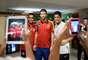 A goleada por 10 a 0 sofrida nesta quinta-feira no Maracanã não impediu que os jogadores do Taiti saíssem cabisbaixo do estádio. Depois da partida, os integrantes da seleção da Oceania tietaram alguns dos principais atletas da Espanha