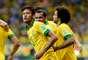 Em cobrança de falta da entrada da área, Neymar colocou o Brasil novamente a frente do placar