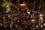 28 de junho - Dezenas de bolivianos fazem protesto pedindo justiça em frente ao 49º DP no Bairro de São Mateus, em São Paulo (SP), após a morte do menino Brayan Yanarico Capcha