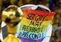 Figurantes da Cerimônia de Encerramento da Copa das Confederações aproveitaram a deixa e protestaram durante o evento neste domingo, no Maracanã. Um dos coreógrafos ergueu a bandeira do orgulho gay, criticando as opiniões do deputado federal Marco Feliciano