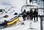 PortilloA cerca de 150 km de Santiago, Portillo oferece tem 16 pistas de níveis variados, e muito espaços fora das pistas para esquiadores experientes. A qualidade da infraestrutura, das instalações e da neve, faz de Portillo o destino para treinos de delegações internacionais, como as dos Estados Unidos e Alemanha, mas também de muitos turistas para alguns dias de diversão e muito esqui, hospedando-se em algum dos resorts de luxo da estação
