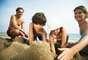 3. Mais tempo com a família: uma pesquisa reportou o impacto positivo que as férias têm no âmbito familiar. Sair da rotina estressante do dia a dia ajuda a criar novos laços em família, que duram até mesmo após as férias terminarem