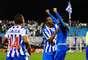 Luciano celebra gol em vitória do Avaí sobre o Paysandu