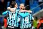 Grêmio superou dificuldades no início para conquistar uma importante vitória em casa nesta quarta-feira: diante do líder Cruzeiro, o time gaúcho venceu por 3 a 1 e entrou no G-4 do Campeonato Brasileiro