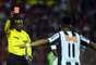 Estreante no Atlético-MG, Fernandinho foi expulso aos 36min de jogo