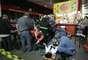 Segundo o Corpo de Bombeiros, uma das vítimas ficou presa nas ferragens