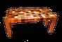 A mesa quebra-gelo é uma das peças produzidas com materiais que costumam ser descartados por marcenarias e serrarias