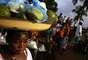 8. Liberia. Desde 1990, ha sufrido la guerra civil por los roces entre diferentes grupos étnicos del país. Estos problemas colapsaron la economía ya debilitada. La guerra ha obligado a casi la mitad de la población a abandonar sus hogares y muchos han muerto de inanición.