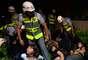 Os manifestantes detidos em São Paulo após uma noite de muita destruição e violência foram liberados pela polícia na madrugada de quarta-feira