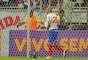 Fernandão faz festa com gol do Bahia