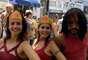 Fantasia de Mulher Maravilha fez sucesso entre as foliãs do bloco Volta Alice no bairro de Laranjeiras no Rio de Janeiro