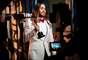 Jared Leto exibe seu Oscar de Melhor Ator Coadjuvante