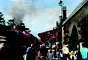 Para embarcar na trem, a única exigência é comprar o ingresso park-to-park, que dá acesso aos dois parques da Universal: o Universal Studios e o Island of Adventures. Isto porque o trem ligará a nova área do Beco Diagonal ao vilarejo de Hogsmeade, inaugurado em 2010 e que abriga o castelo de Hogwarts. Ilustração da Hogsmeade Station