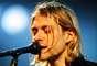 Cobain formó Nirvana con Krist Novoselic en Aberdeen, Washington, en 1985 y la estableció como parte de la escena musical de Seattle, con su álbum Bleach lanzado en 1989.