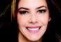 A jornalista e apresentadora, Fabiana Scaranzi, investiu no tratamento dos dentes e hoje desfila um sorriso perfeito