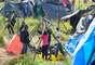 3 de maio - Grupo montou acampamento no terreno que é particular