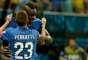 Balotelli comemora o segundo gol italiano n apartida contra a Inglaterra na Arena Amazônia