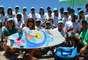 Cinquenta alunos, sendo crianças, jovens, adultos, de todas as classes sociais e com uma ou múltiplas deficiências têm aulas de surfe adaptado aos fins de semana, gratuitamente, nas praias do Rio de Janeiro