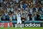 Messi comemora o gol marcado contra a Bósnia, e a torcida vai à loucura nas arquibancadas do Estádio do Maracanã, na noite deste domingo; partida terminou em 2 a 1 para os hermanos.