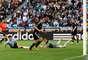 13 - Klose faz o segundo gol da Alemanha em partida contra a Argentina pelas quartas de final da Copa do Mundo de 2010, na África do Sul. O jogo terminou em goleada alemã com placar de 4 a 0