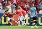 Aránguiz comemora o gol que deu início a vitóra colorada no Beira-Rio