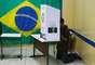 Eleitor é fotografado durante votação em São Bernardo, na Grande São Paulo
