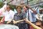 Candidata à reeleição pelo PT, Dilma Rousseff participou de duas carreatas no Rio de Janeiro, nesta segunda-feira, em que apoiou os candidatos ao governo do Estado, Marcelo Crivella (PRB) e Luiz Fernando Pezão (PMDB)