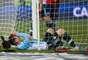 Messi fez o seu pênalti, mas companheiros desperdiçaram cobranças seguintes e o craque ficou com mais um vice pela seleção profissional