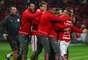 Jogadores do Inter festejam vitória no Beira-Rio