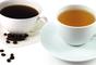 Té negro : el té contiene taninos, que manchan los dientes. Pero el té tiene grandes beneficios para la salud por lo que no es necesario dejarlo totalmente. Simplemente trata de evitar los tés negros o cortarlos con leche.