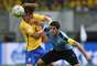 David Luiz e Luis Suarez disputam lance na partida entre Brasil e Uruguai pelas Eliminatórias da Copa de 2018