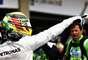 Lewis Hamilton comemora pole no Brasil