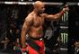 Jimi Manuwa comemora vitória no UFC Fight Night Londres