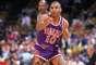 Gregory Alan Grant, más conocido como Greg Grant, fue seleccionado por los Suns en el draft de 1989 a pesar de medir 1.70 metros
