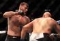 Stipe Miocic venceu Junior Cigano no UFC 211