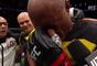 Anderson Silva chora no octógono após vitória no UFC 208