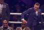 Conor McGregor balançou a cabeça de Floyd Mayweather como forma de provocação
