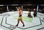 Rafael dos Anjos finalizou Neil Magny no primeiro round do UFC 215