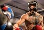 Conor McGregor treina boxe antes de superluta com Floyd Mayweather