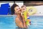 Sheron Menezzes exibe mergulho do filho na natação: 'peixinho'